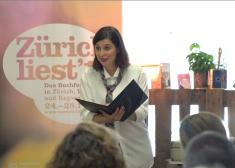 """Lesung im Auftrag von """"Zürich liest"""" an der """"Food Zürich"""" im Juni 2018. Bild: Markus Zehnder, Makanart"""