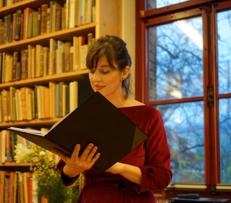 Lesung im Antiquariat von Matt in Stans anlässlich der Jubiläumsfeier zum fünfjährigen Bestehen des lit.z – Literaturhaus Zentralschweiz im November 2019.